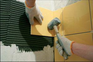 Правила укладки плитки на стены